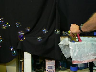 1111 0506 stream of bubbles