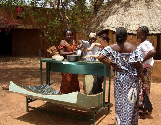 Fichier:Devos Burkina Faso 2007.jpg