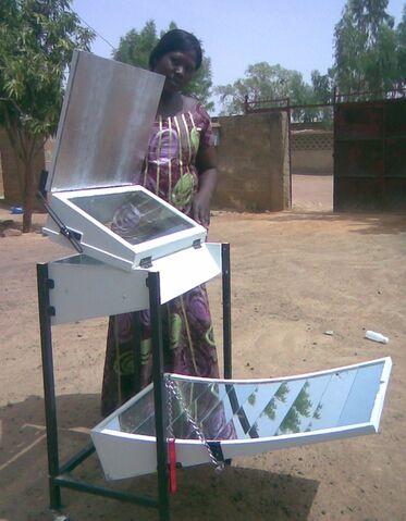 File:Nelpa Mali cooker 2.jpg
