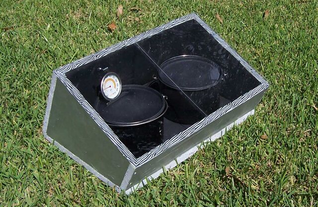 File:Compacta Easy Solar Stove One.jpg