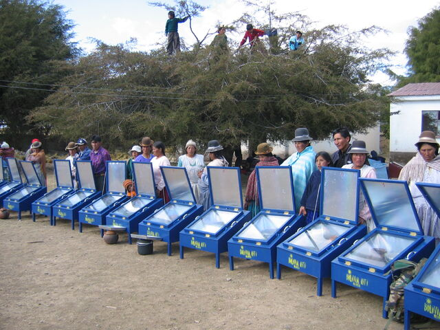 File:Bolivia cookers.jpg