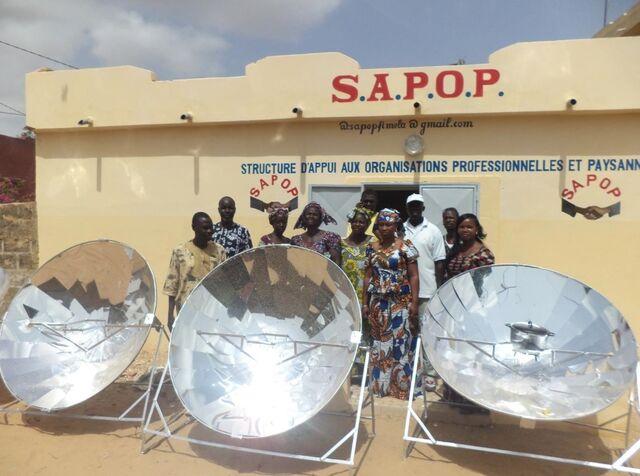 File:Sun and Ice workshop in Senegal, 8-20-14.jpg