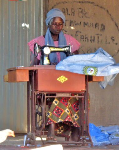 File:Deborah Dao 2009 Mali.jpg
