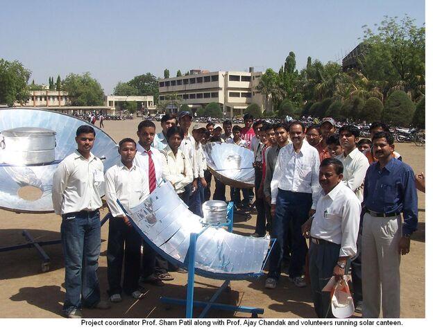 File:Solar Canteen in India.jpg