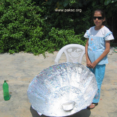 Neha with solar cooker
