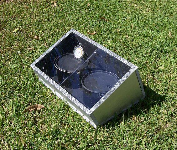 File:Compacta Easy Solar Stove Three.jpg