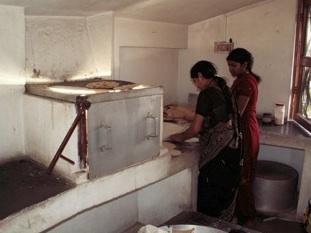 File:Barli Institute students in the Scheffler kitchen.jpg .jpg