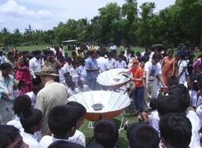 File:Sarvodaya solar demo 2.jpg