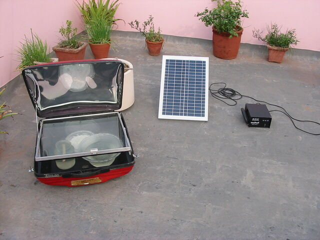 File:SolarOvenSolarPVwith smallInverter.jpg