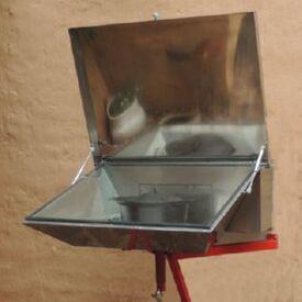 Through the wall solar cooker