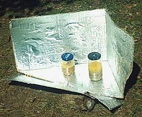 File:Frascos y cocina 2009 sanz.jpg