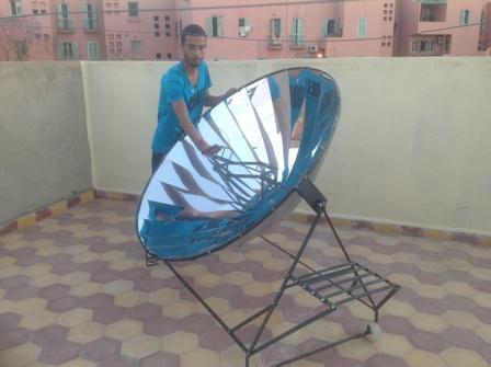File:Building-of-solar-cooker-in-morocco.JPG
