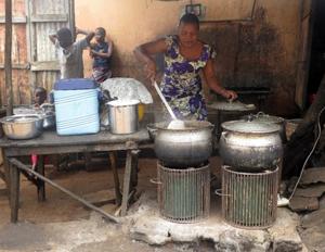 Photovoltaic cooking, Benin, 11-30-15