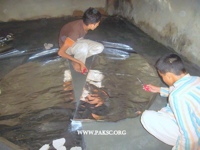 File:Para bolic solar cooker remaking school students (7).JPG
