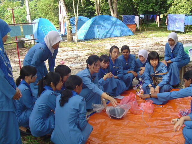 File:Girl Guides Association of Malaysia - A string to tie.JPG