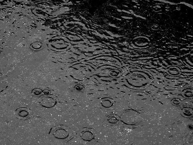 File:Here comes rain again.jpg