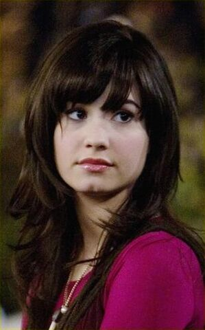 File:Demi-lovato-heartbreak-kid-03.jpg