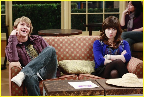 File:Episode-Guess-Who-s-Coming-To-Guest-Star-channy-7950489-600-402.jpg