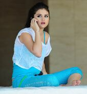 Selena-Gomez-2013-Shirts-Collections