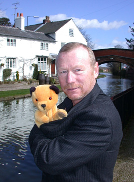 File:Sooty and Matthew Corbett at his House.jpg