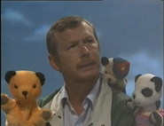 1994-10-10 - Sooty & Co - Home Alone Sweep - Part Two 0044
