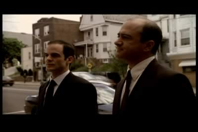 File:Michael Kelly as FBI agent on Sopranos.jpg
