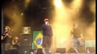 "Soulfly - ""Pain"" (live featuring Chino Moreno at Fields of Rock 2005)"