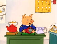 COW - SINGLE MOO, ANIMAL 06 Richard Scarry's Best Silly Stories and Songs Video Ever