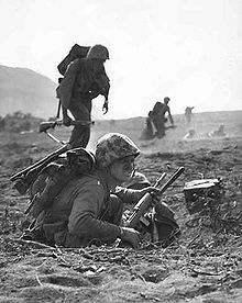 File:220px-Carbine-iwo-jima-194502.jpg