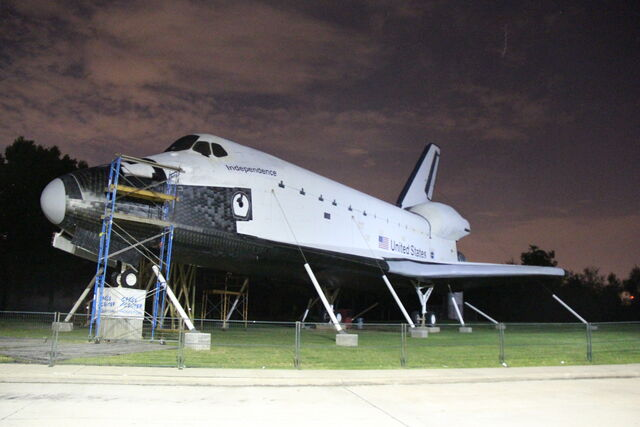 File:Space Shuttle Independence OV-100.JPG