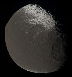 File:Iapetus by Voyager 2 - enhanced.jpg
