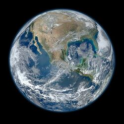 600px-North America from low orbiting satellite Suomi NPP-1-