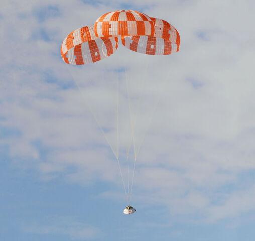 File:Orion parachute test.jpg