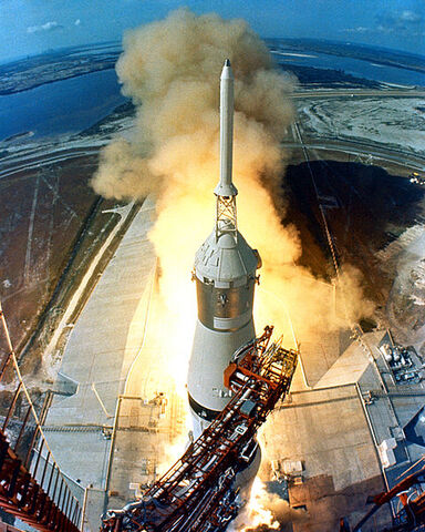 File:480px-Apollo 11 Launch2-1-.jpg
