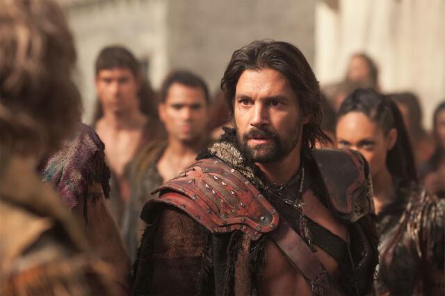 File:Spartacus-War-of-the-Damned-Decimation-Crixus.jpg