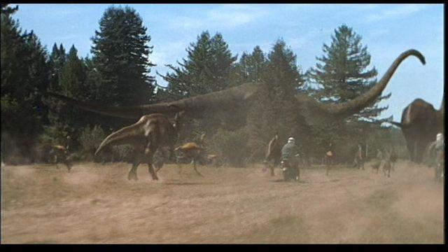 File:Mamenchisaurus-1-.jpg