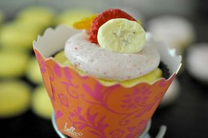 File:Strawberry Orange Banana Smoothie Cupcakes .jpg