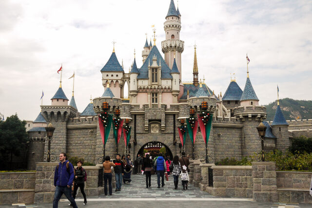 File:Disneyland-Hong-Kong-castle.jpg