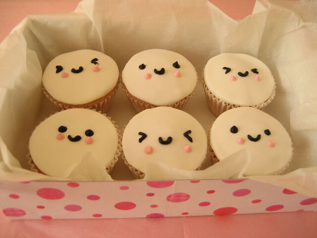 File:Cupcake-Faces-cupcakes-396299 1024 768.jpg