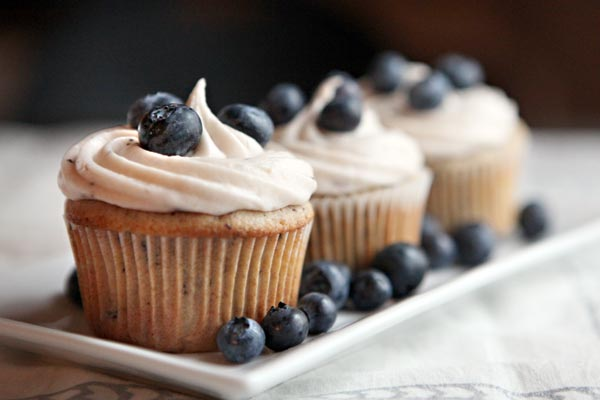 File:Blueberry-cupcakes.jpg