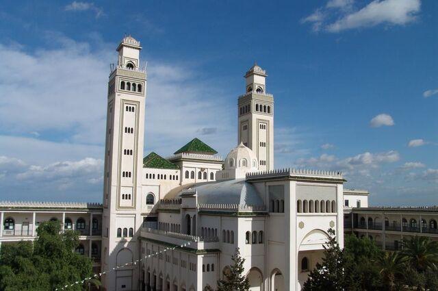 File:RealWorld University of Kharouba.jpg