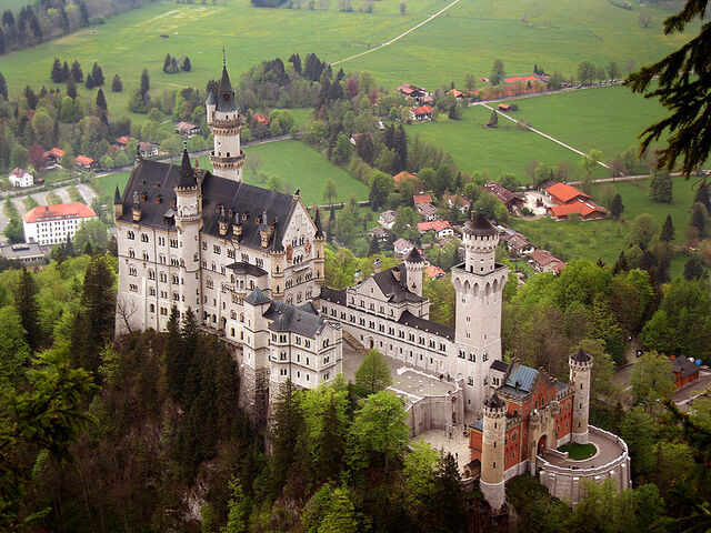 File:RealWorld Neuschwanstein Castle.jpeg