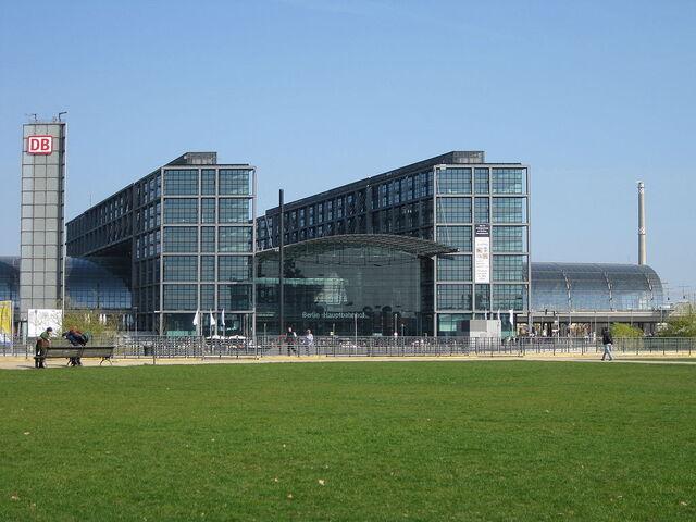File:RealWorld Berlin Central Terminal.jpg