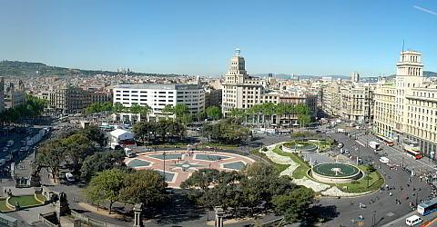 File:RealWorld Plaça de Catalunya.jpg