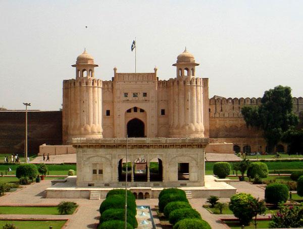 File:Lahore Fort (Shahi Fort).jpg