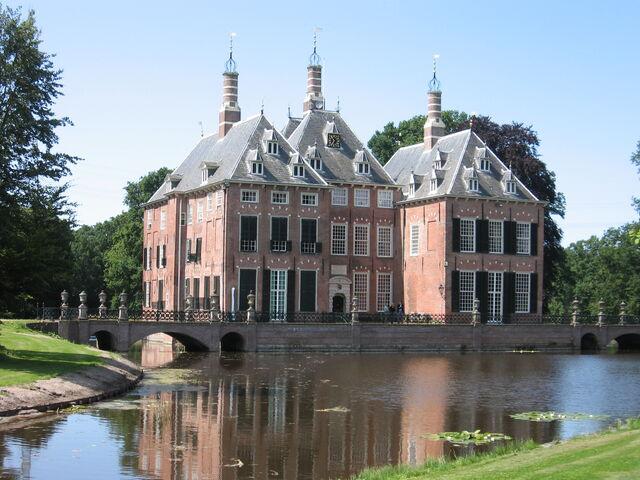 File:RealWorld Duivenvoorde Castle.jpg