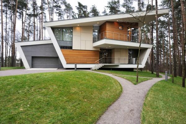 File:Gorki House.jpg