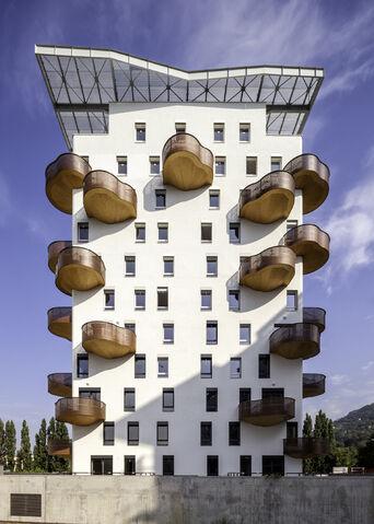 File:RealWorld Quai de la Graille Apartments.jpg
