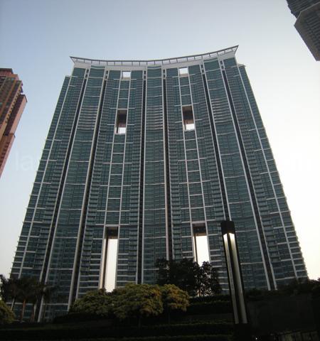 File:RealWorld Harborside Condominium.jpg