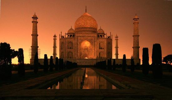 File:RealWorld Taj Mahal (Night).jpg